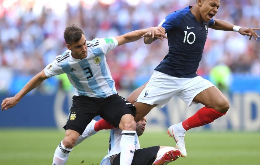 DÇ-2018: Fransa 1/4 finalda