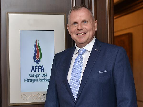 AFFA-nın yeni komitə sədri iclas keçirdi – Anar Salmanov Stuxliklə görüşdü