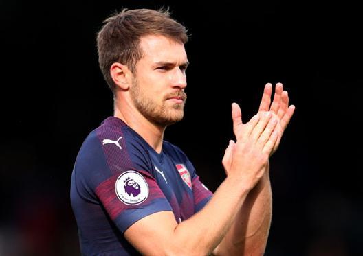 """""""Arsenal""""ın futbolçusu üçün daha bir müştəri"""