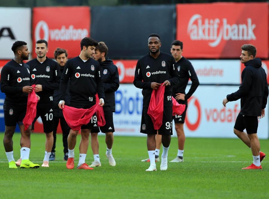 """Beşiktaş""da ciddi itkilər - 3 futbolçu Belçikaya aparılmadı"