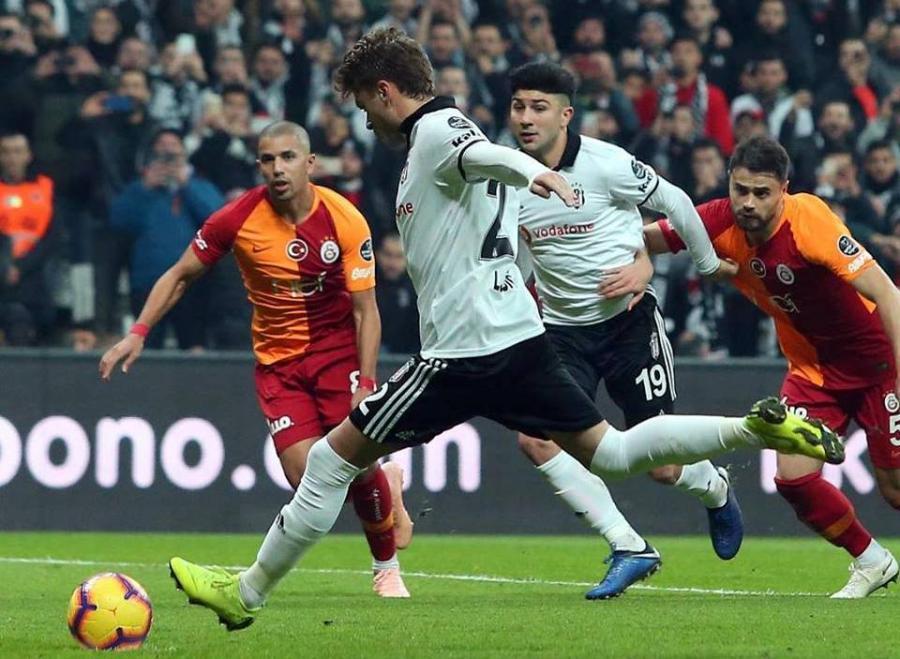 """""""Beşiktaş"""" """"Qalatasaray""""ı məğlub etdi"""