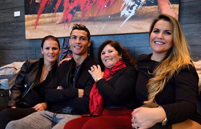 """""""Futbol dünyası mafiya və pula görə xəstələnib"""" – bacılarından Ronaldoya dəstək"""