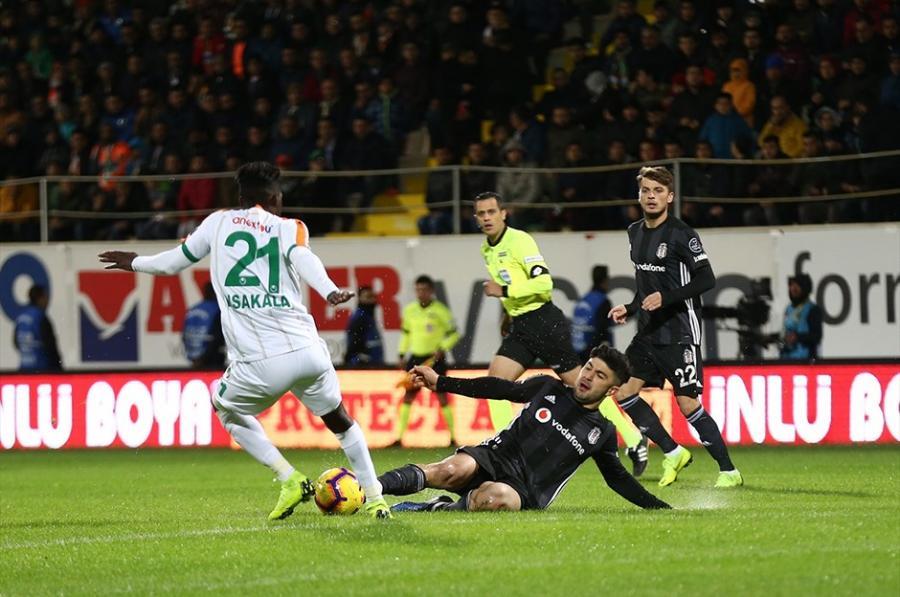 """Beşiktaş""dan xal itkisi"