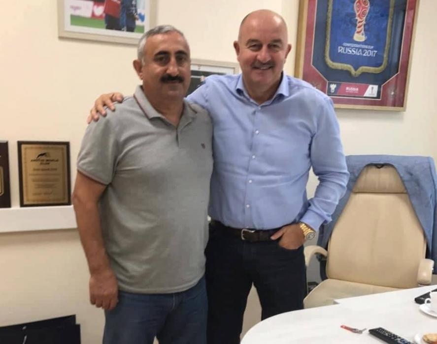 Nazim Süleymanov yığmanın baş məşqçisi ilə görüşdü -