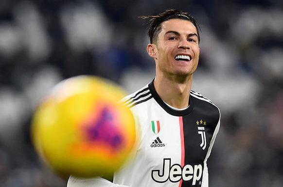 Ronaldo yenə ən yaxşı seçildi