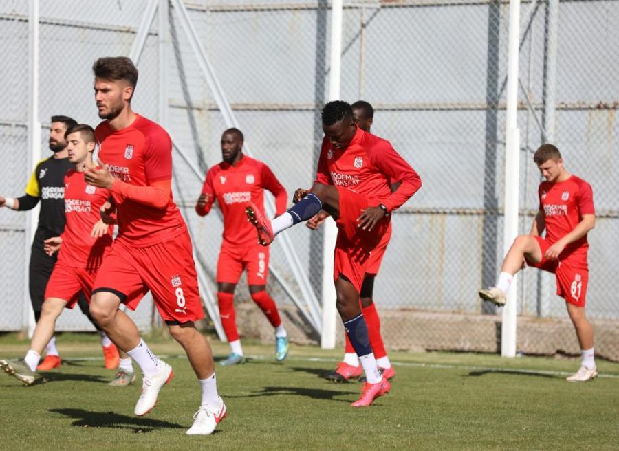 """""""Sivasspor"""" """"Qarabağ""""la matça ciddi itkilərlə çıxacaq –"""