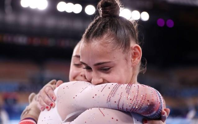 Azərbaycanlı bacılar Tokioda medal qazandı -