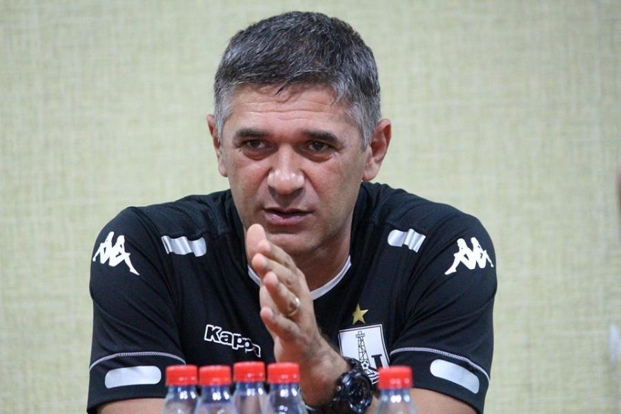 """Elxan Abdullayev: """"İstefa şüarı haqlıdır"""""""