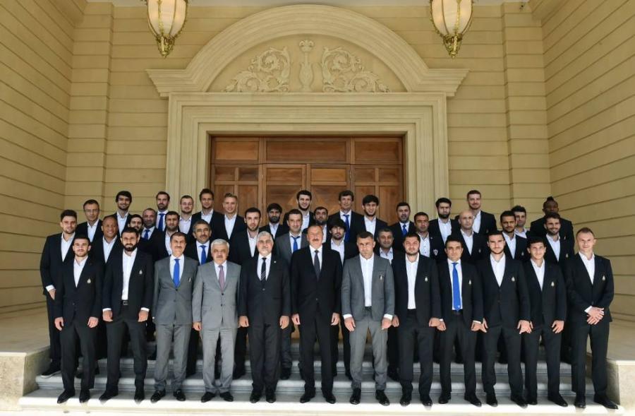 """Prezident İlham Əliyev """"Qarabağ""""ı qəbul etdi"""
