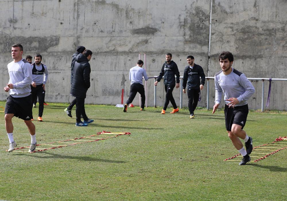 """""""Qarabağ"""" """"Keşlə"""" ilə oyuna hazırlaşır (Qalereya)"""