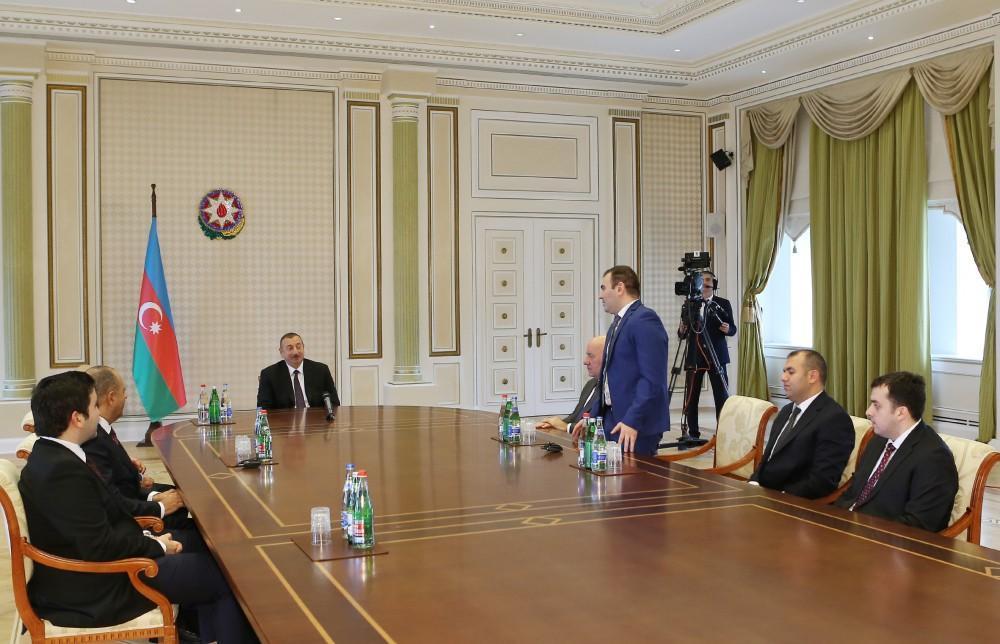 Prezident şahmatçılarla görüşdü